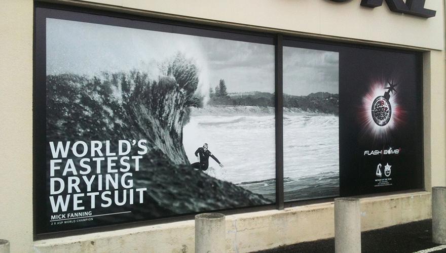 Adhésif impression numérique et film protection magasin sport